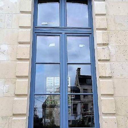 Restauration de fenêtre par l'entreprise ML OSSATURE située à Quincy-Voisins 77860